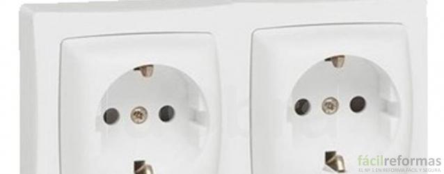 07. Mecanismo eléctrico de superficie: Base de enchufe + toma de TV